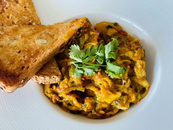 Scrambled Eggs Akuri With Sandwich