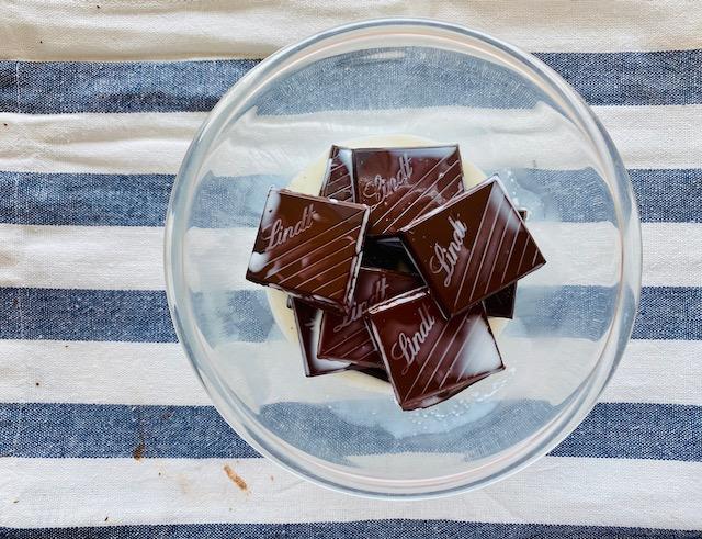 melting dark chocolate in milk